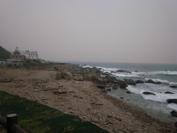 海は大荒れ・・・