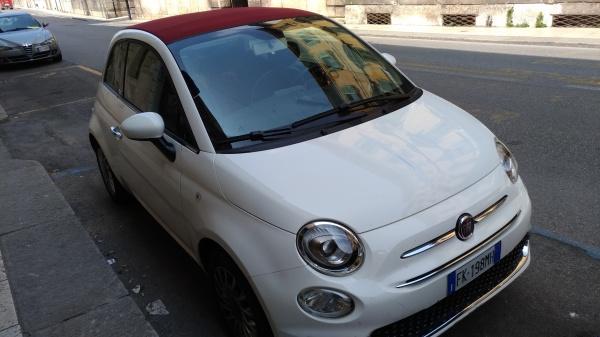 ミラノからフィレンツェへの移動はイタリア車で(レンタカー)1日390ユーロ…。